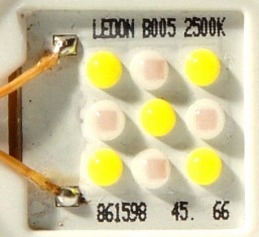 LEDON-Lampe mit 9 Cree-LEDs