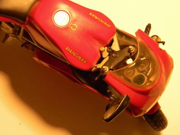 Philips-Master-7W-Ra