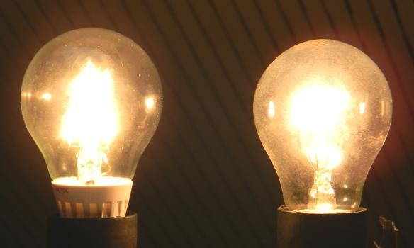 Fadenlampe-Gluehlampe
