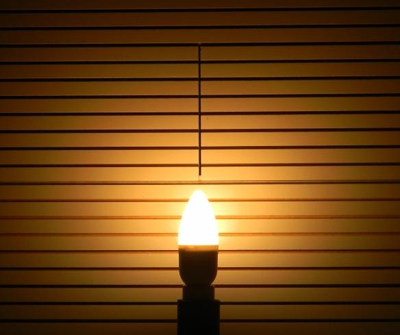 LEDON-E14-neu-Kerze-Leuchtbild
