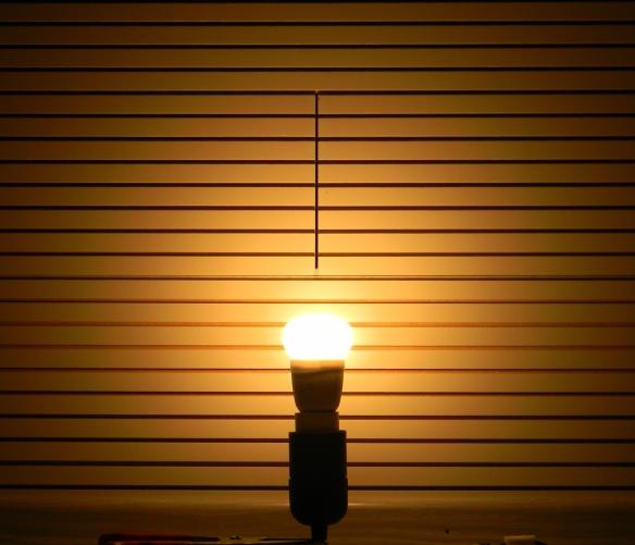 LEDON-E14-neu-Tropfen-Leuchtbild