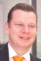 ... in dem beispielweise steht, dass Dr. <b>Peter Laier</b> (Osram-PR-Bild) im ... - Peter-Laier-L-B