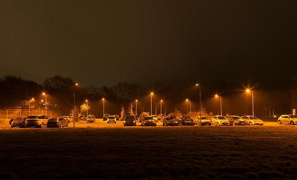 Bat-Lamp-Parkplatz