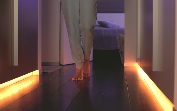 Philips-Hue-Lightstrip-Plus-Flur