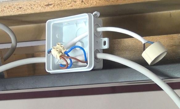 04-Umstieg-Halogen-auf-LED-Verteilerdose-einrichten