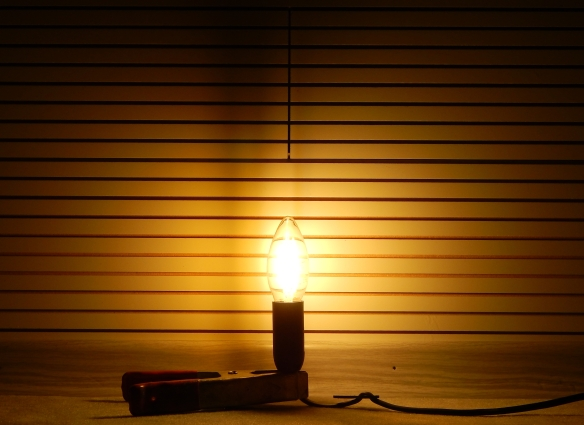Philips-E14-Fadenlampe-Leuchtbild1