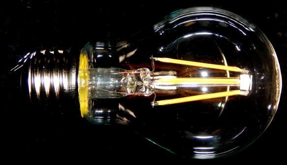 Osram-E27-Fadenlampe-aus-quer